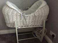 Mammas & pappas beautiful Moses basket!