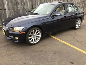2013 BMW 3 Series 320i, Leather, Heated Seats, Sunroof, AWD