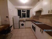 3 bedroom flat in David House, London, SW8 (3 bed) (#921827)