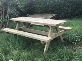 High Quality 6 Seater Picnic Bench