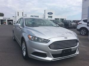 2015 Ford Fusion SE - Heated Seats, Rear Cam