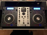 Numark Mixdeck DJ Controller with CD, USB, IPod, Traktor comes in flightcase
