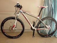 Cube comp ltd (RRP £850) Only road use mint