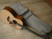 TAYLOR GS MINI guitar 2013. Short scale travel parlour acoustic. Sitka spruce top. Hard bag.
