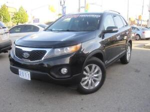 2011 KIA SORENTO EX | Leather • 2 Sunroofs