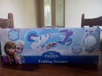 BRAND NEW BOXED FROZEN IN-LINE SCOOTER £10.