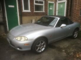 mx5 roadster, 1600cc. Hard and soft tops.