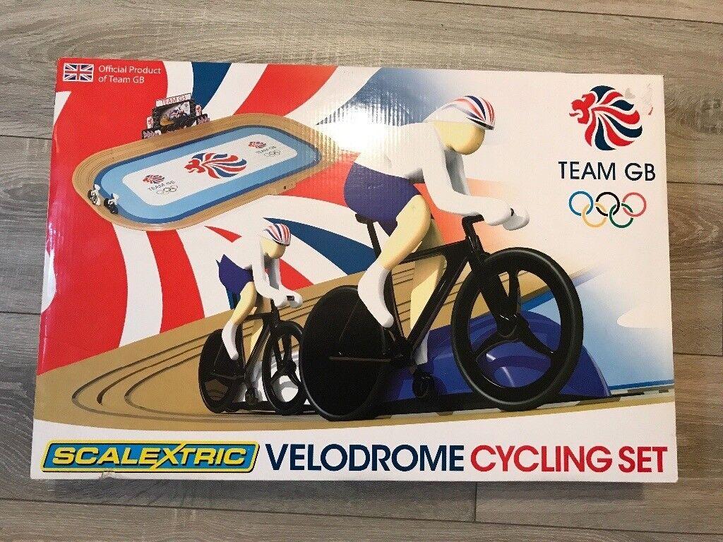 Scalextric Team GB Velodrome Cycling Set