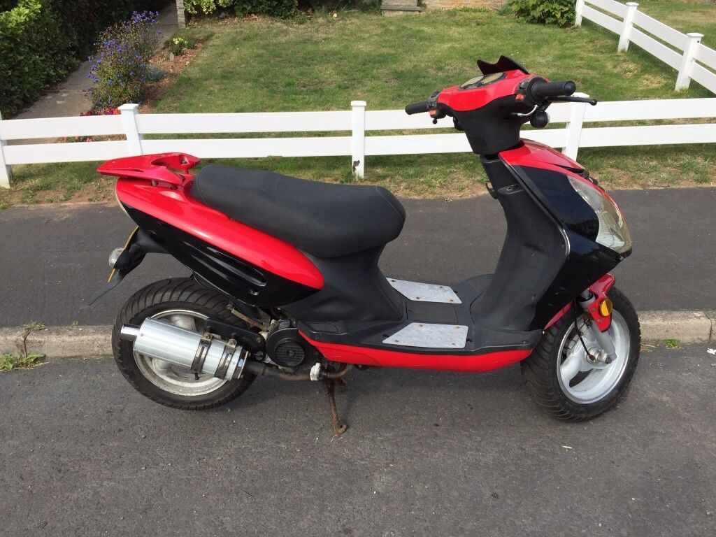 baotian 50cc 4 stroke with new mot 57 reg scooter. Black Bedroom Furniture Sets. Home Design Ideas