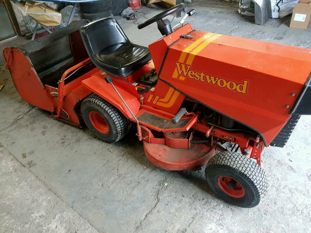 Westwood T1200 Commercial Ride On Lawn Mower In Belfast