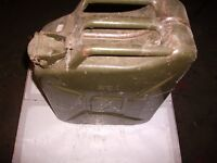 FUEL CAN 20 LTR TO CLEAR AS NEW (SEE PICS )MUST GO .
