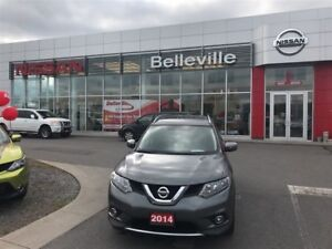2014 Nissan Rogue SV AWD 1 OWNER LOCAL TRADE