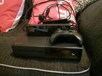 Xbox one with kinect and controller Exellent Condition