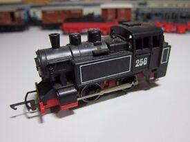 OO Gauge Hornby R256 0-4-0 Black STEAM FREIGHT Tank Locomotive No.256
