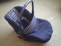 COSATTO BABY CARRIER/CAR SEAT