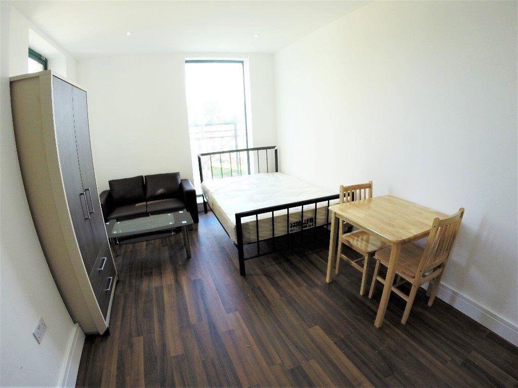 New-build studio flat to let in Brent Cross gardens NW4