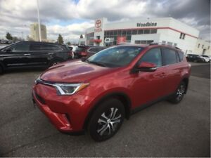 2016 Toyota RAV4 LE AWD w/ Backup Camera, Roof Rack, Heated Seat