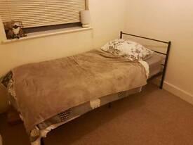 Single metal bed frame and matress