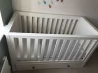 **MOTHERCARE HARROGATE COTBED*ALMOND***RRP £420***MUST SEE***INCLUDES MATTRESS**BRILLIANT***
