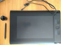 Wacom Intuos Intuos4 Large, Used, Inc: USB Cable, pen, nibs, instillation discs