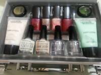 Nail polishes (full nail kit)