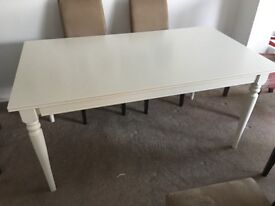 White extendable ikea table