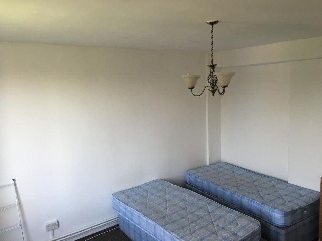 DOUBLE ROOM ------- CAMDEN --------