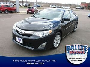 2012 Toyota Camry XLE, V-6, Nav! Sunroof! Leather!