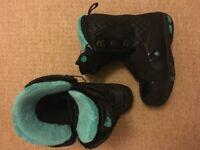 Women's Solomon Snowboard Boots Size 6.5