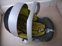 Cybex Aton car seat from birth to 13kg in excellent condition £20 - pick up only