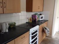 F CHEAP AND BRIGHT DOUBLE ROOM IN NEASDEN ALL BILLS INCL. !! NO AGENCY FEE!!