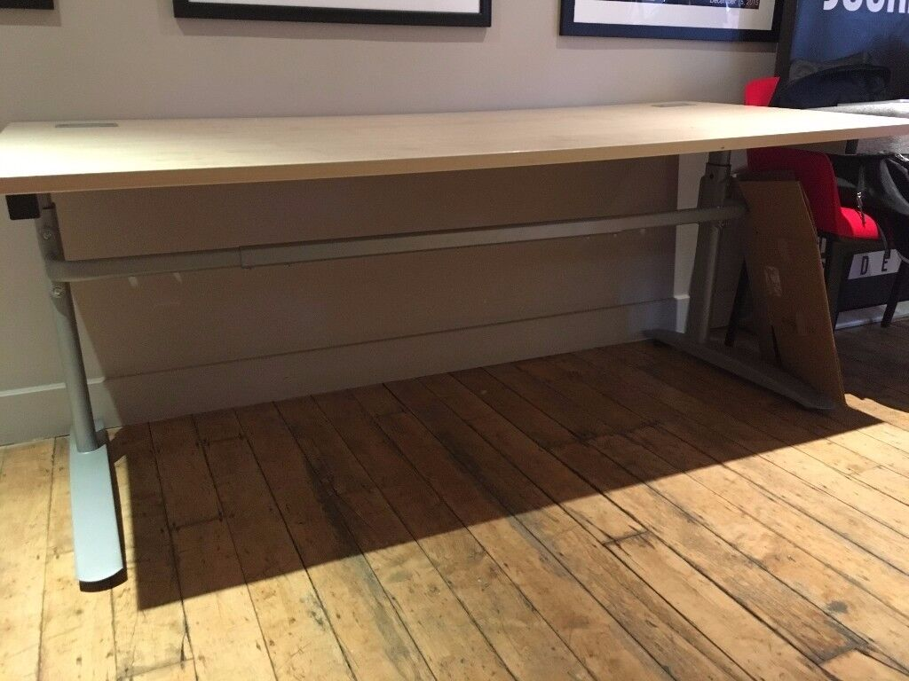 5x Adjustable desks, great condition, v cheap for collection within 24 hrs
