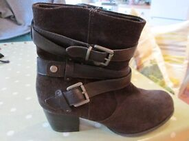 Ladies Brown Suede Ankle Boots By Footglove M&S size 5.5