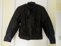"""MENS / WOMENS BLACK LEATHER MOTORCYCLE JACKET – Chest 40/41"""" max Great quality & very good condition"""