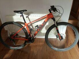 "Trek Superfly 5 2016 Mountain Bike Option 17.5"" Frame, Light Usage"