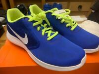 Nike trainers (new)