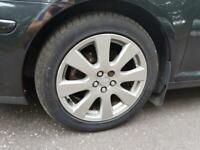 Avensis alloy wheels and tyres