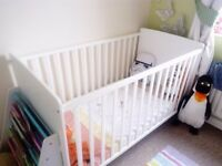 White cot bed in excellent condition