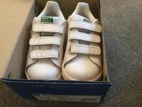 Adidas toddler trainers size 7