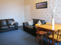 2 bed upper flat -TO LET IN GATESHEAD - JUST BY THE PARK - WESTBOURNE AVENUE