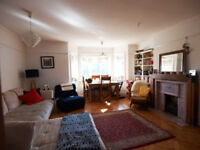 Beautiful 2 bed in the heart of Winchmore Hill on The Green, ideal for sharers or familys