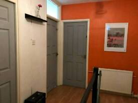 Great double room available in king's cross 200 pw no fees