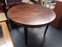 ery solid dining table (107 cm diameter) with beautiful legs for upstyling.
