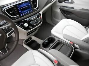 2017 Chrysler Pacifica Touring-L Regina Regina Area image 16