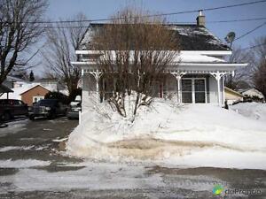 115 000$ - Maison à un étage et demi à vendre à East Brought