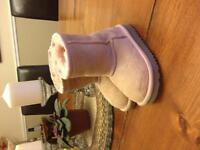 Girls Uggs size 8 Authentic