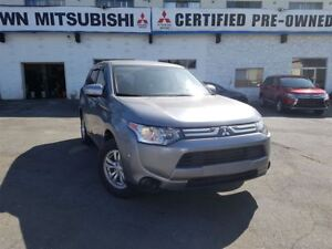 2014 Mitsubishi Outlander ES; Local & No accidents