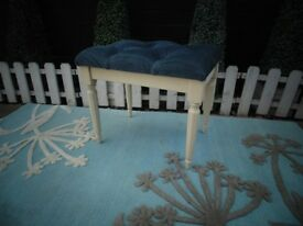 DRESSING TABLE STOOL AND IT'S IN VERY GOOD CONDITION 50/37/45 cm £15