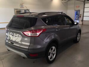 2014 Ford Escape SE| ECOBOOST| 4WD| SYNC| HEATED SEATS| 36,967KM Cambridge Kitchener Area image 8