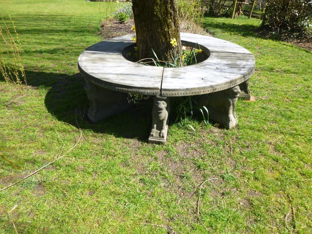 Ornamental Cast Stone Circular Garden Bench Seat 8 Winged Lion Pedestals In Mere
